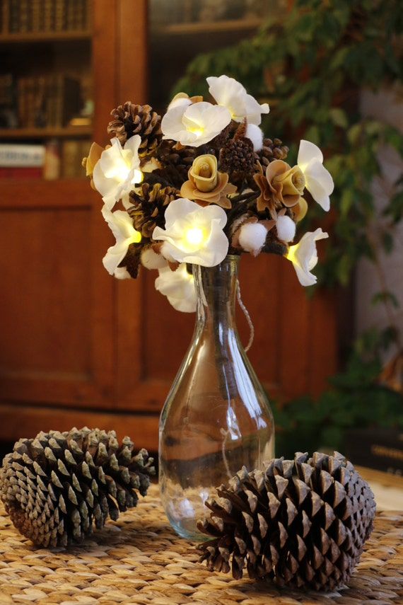 Everlasting bouquet led, sublime smell of Christmas porcelain cold saeljana and nature! Pine cones, beech beech, flowers of porcelain.