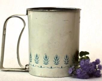 Farmhouse Kitchen Retro Flour Sifter Photo Film Prop 40s blue white Hand Utensils Antique tool Wheat Pattern Old Tin Antique Decoration