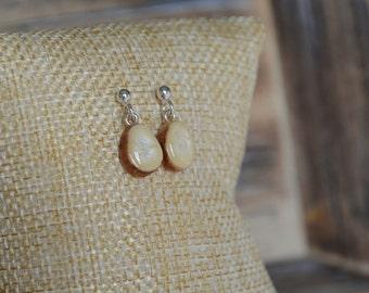 Pearly ecru dangle earrings, minimalistic white earrings jewelry, wood and silver jewelry, little light drop dangle earrings
