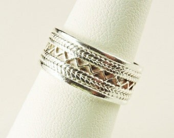 Size 7 Sterling Silver Textured Wide Band Ring