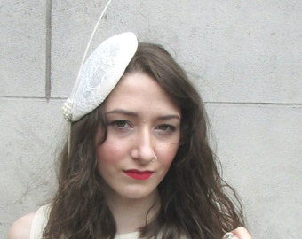 Ivory White Cream Fascinator Headpiece Hat Vintage Races Ascot Hair Clip 6AT