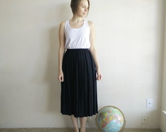 Vintage Black Pleated Midi Skirt