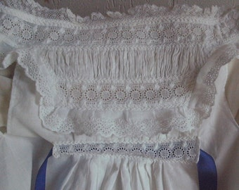 VICTORIAN C19-HAND STITCHED-Gorgeous orig.child's pinafore in fine cotton/exquisite smocking/lace/embroidery-(Ribbon not original)Excellent.