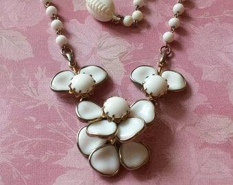 Milk Glass Necklace Flower Necklace Vintage Choker Mid Century Gold Tone 1950s