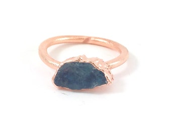 Raw Stone Ring, Apatite Ring, Raw Crystal, Electroformed Ring, Copper Ring, Green Gemstone, Blue Gemstone, Rough, Nugget, Healing, Edgy