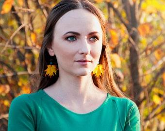 Maple leaf earrings Botanical jewelry earrings Fall maple leaves Bridal earrings Fall wedding earrings Bridesmaid gifts Yellow earrings