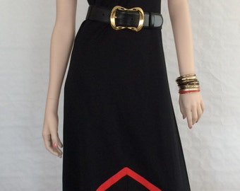 Maxi dress spaghetti straps / strips / graphic / A-line / vintage / 1970s / black / red / white / size: XS - S