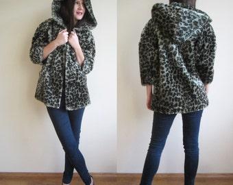 vintage  faux fur winter coat jacket //leopard animal print // S M