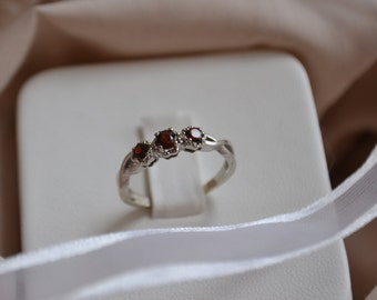 Dainty and delicate vintage 10kt white gold garnet ring, Vintage garnet ring, Vintage gold ring, three stone across garnet ring