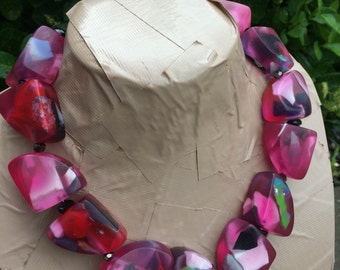 LOLA pink & red resin statement necklace