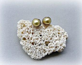 Pearl studs silver, pearl stud earrings, pastel earrings, lemon pearl earrings, freshwater pearl silver earrings, sterling silver studs
