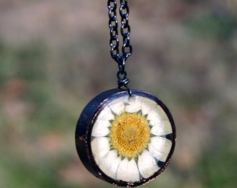 White Daisy Necklace, Real Flower Necklace, White Chrysanthemum, Botanical Jewelry, Pressed Flower Jewelry