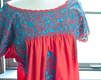 Vintage Mexican OAXACA tent dress / gorgeous hand embroidered FLOWERS / bohemian summer peasant dress
