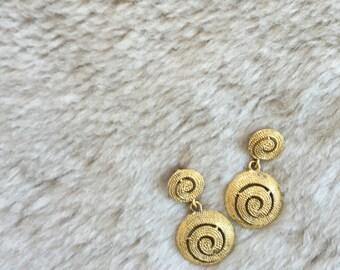 1 9 9 0 s / Gold Spiral Drop Earrings