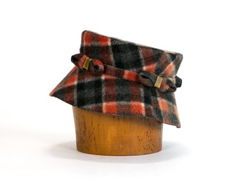 Vintage 1920's 1930's Plaid Bucket Hat Short Brim Fall/ Winter Women's Accessories  , Wool Hat