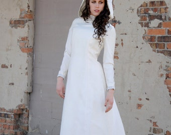 White hooded dress, long sleeve maxi gown, Renaissance Victorian wedding, hood 1970s XS S