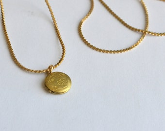"vintage locket necklace - small circle pendant on 30"" chain"