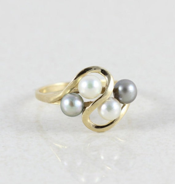 14k yellow gold pearl ring size 6 3 4 white and black pearl