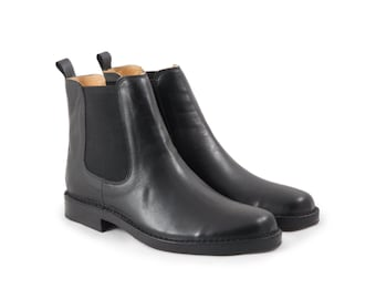 Chelsea Boots - Leather - Black - Leather and Vibram Sole  - Made in Italy