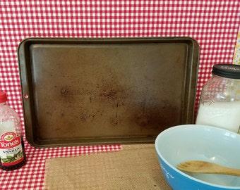 Vintage Baking Sheet, Cookie Sheet, Vintage Bakeware,  Metal Bake Ware, Farmhouse, Kitchen, Metal Baking Pan, Photo Prop