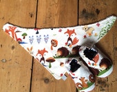 Baby Gift Set Unisex spring woodland animal print Bandana Bib and Shoes set freckles and daisies