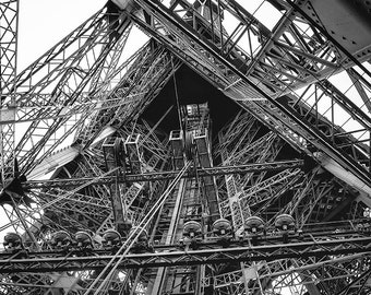 Eiffel Tower photography,Paris print,Paris poster,Paris wall art,living room decor, digital print,wall decor,Paris photography,France art