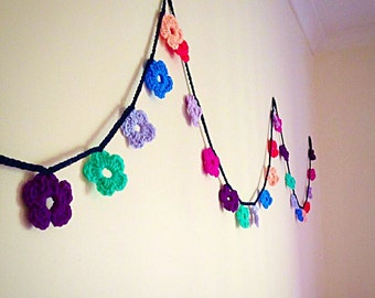 Crochet Flower bunting garland - wall decor, bedroom decoration