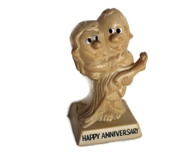 Russ Berries Co. Sculpture Figurine Happy Anniversary Couple Collectible
