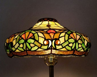 Vintage 1970's Tiffany Style Stained Glass Lamp Shade Mid Century Beautiful Color Hollywood Regency