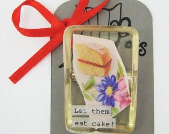 Cake Brooch
