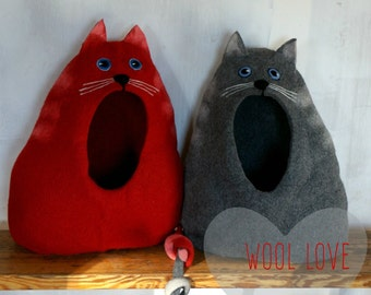 """Cat bed, cat cave, cat house, felted cat bed, wool cat house """"Cat with open eyes""""/Ready to ship!"""