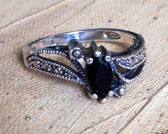 Sterling Silver - Pebbled Black Onyx Oval 2.9g - Ring (6.25) or Best Offer