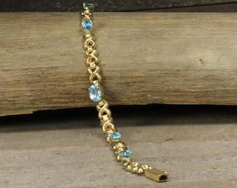 Estate, 14K Yellow Gold Bracelet with Topaz!