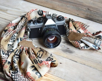 camera strap, DSLR camera scarf, bookscarf in beige