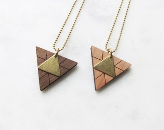 TRIANGLES wood - brass - long chain-