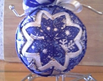 Quilted Christmas Ornament Blue/Silver