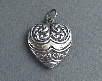 Art  Nouveau style silver heart