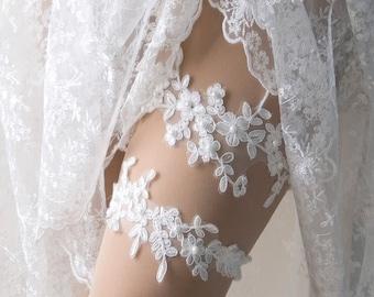 Wedding garter set, lace garter, bridal garter set, lace keepsake garter, toss garter -WG10T1