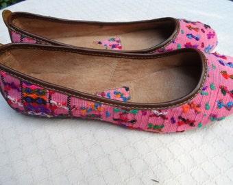 Guatemalan Women Leather, Huipil Fabric Ballet Flat Shoes 9 ballerine