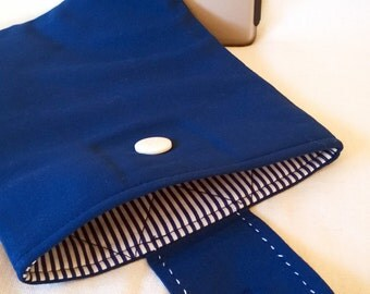"""On Sale !! Padded 9"""" Tablet Cover, Unique One-Off Quilted Cover in Blue and White. Samsung Galaxy Tab 8.9, Fire HD Cover."""