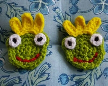 Tiny Crochet frog prince applique