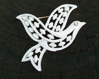 TRIFARI White Enamel PEACE DOVE Vintage - Bird Pin - Dove Brooch