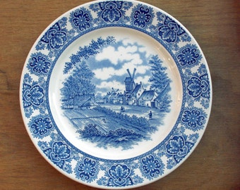 Vintage Broadhurst Delftware Blue and White plate or display plate 9.75 inches