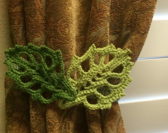 Crochet curtain tiebacks - 1 pair  mild/apple green