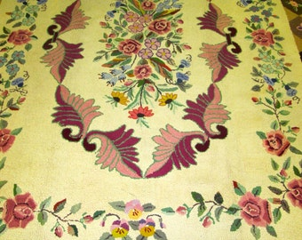 Awesome Antique American hook Rug.