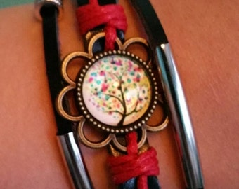 Tree of Life Bracelet in Red: Celebrate your love for nature!