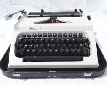 ERIKA portable typewriter, model 158, excellent condition smooth and user-friendly, wonderful quality typewriter, solid German build