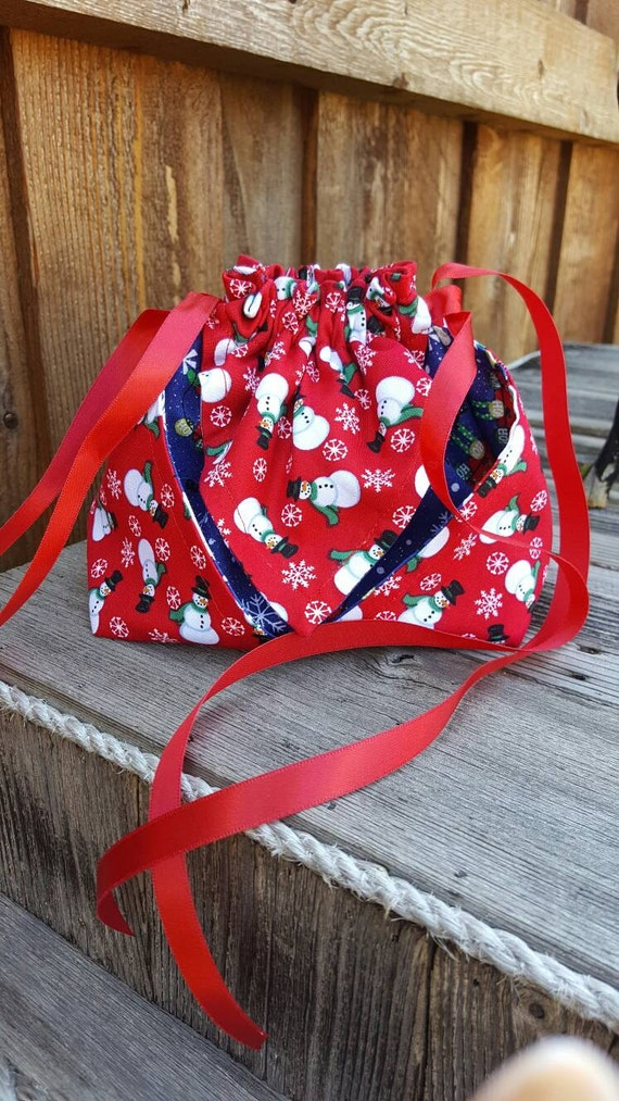 Large draw string christmas gift bag perfect for medium to for Holiday t shirt bags