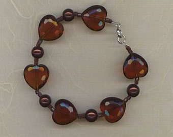 Faceted chocolate brown glass hearts and pearl beads bracelet