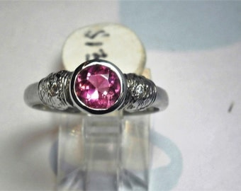 Pink Tourmaline 0.95 Ct and Diamond 0.04Ct Ring Set in 18 Ct White Gold